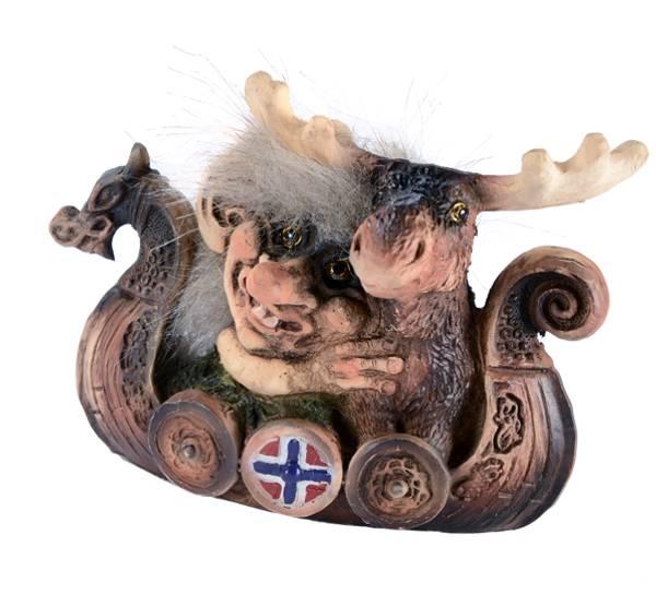 Bilde av Troll med elg i båt  (Troll nr. 156)