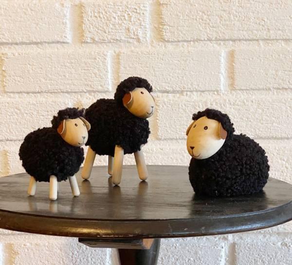 Bilde av Sau av tre med sort ull, liten